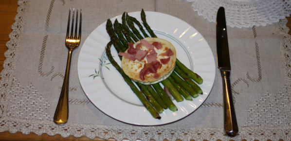 Roasted Asparagus with Goats Cheese and Bacon